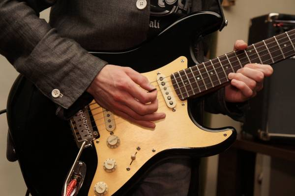 Will guitar lessons make you a better player?